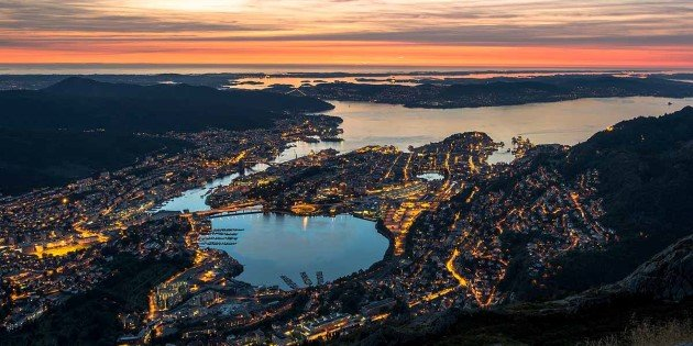 Spectacular sunset view of Bergen from Fløyen