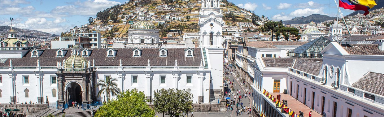 Take in the colonial elegance of Plaza de Indepencia in Quito.