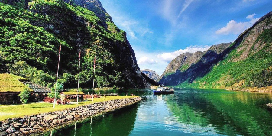 inside-a-norway-fjord-hd-wallpaper-497135_compressed.jpg