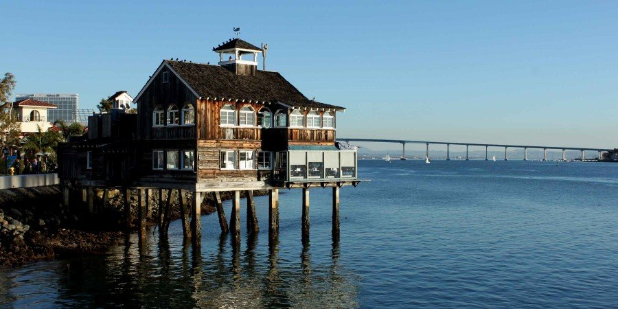 Seaport_Village_San Diego©Prayitno - CC BY 2.0_2500x1250.jpg