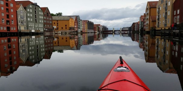 Go kayaking on the river Nid in Trondheim.