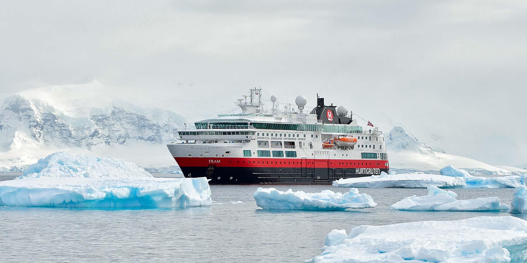 2500x1250_Antarctica_27112013_147jpg