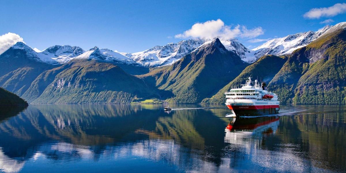 Norway Cruises Voyage Of Discovery Bergen Kirkenes