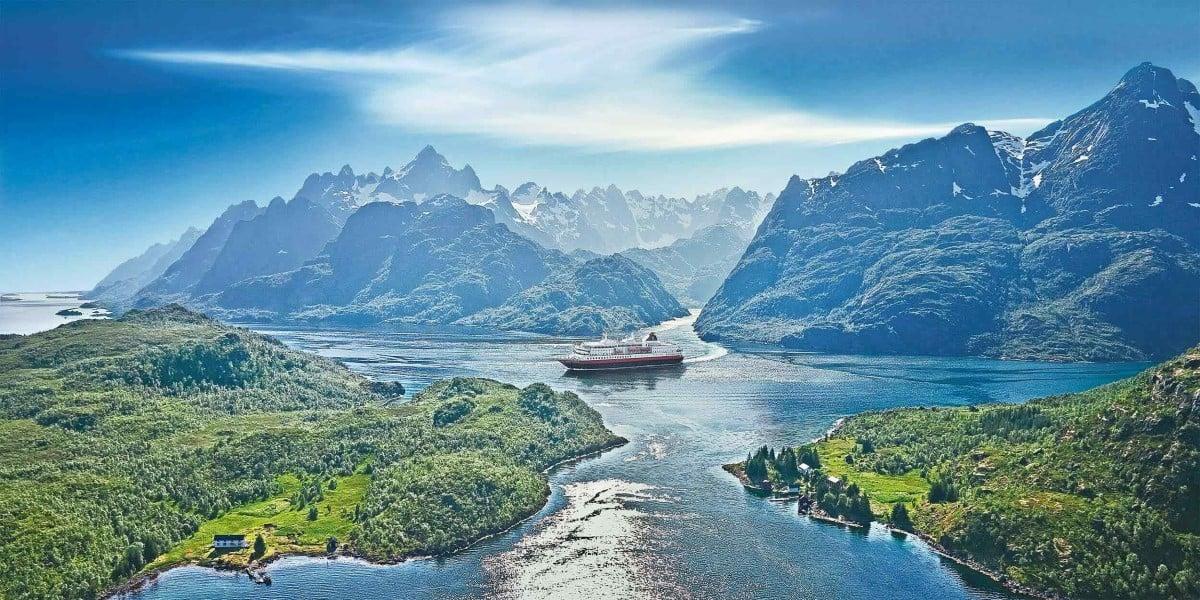 Norway Cruises Classic Round Voyage Bergen Kirkenes